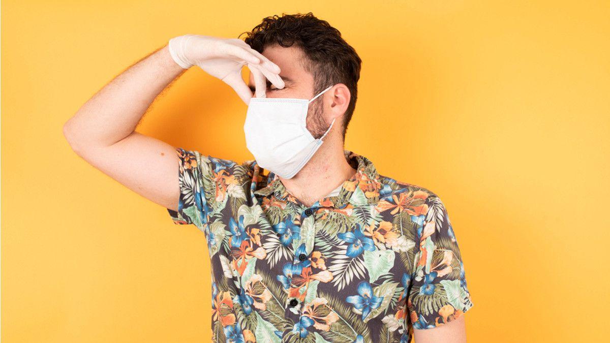 Foto Bau mulut, cara memakai masker, kesehatan gigi, Masker