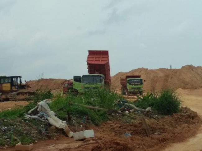 Foto ANGGOTA DEWAN SIDAK, DPRD Kota Batam, Komisi III DPRD Batam, lahan di tanjungriau, Pematangan lahan, pematangan lahan di Tanjungriau, Sidak pematangan lahan
