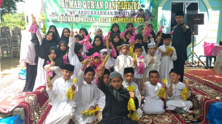 Foto Habib rizieq, Habib rizieq pulang ke Indonesia, Habib rizieq syihab, imam besar fpi, massa fpi