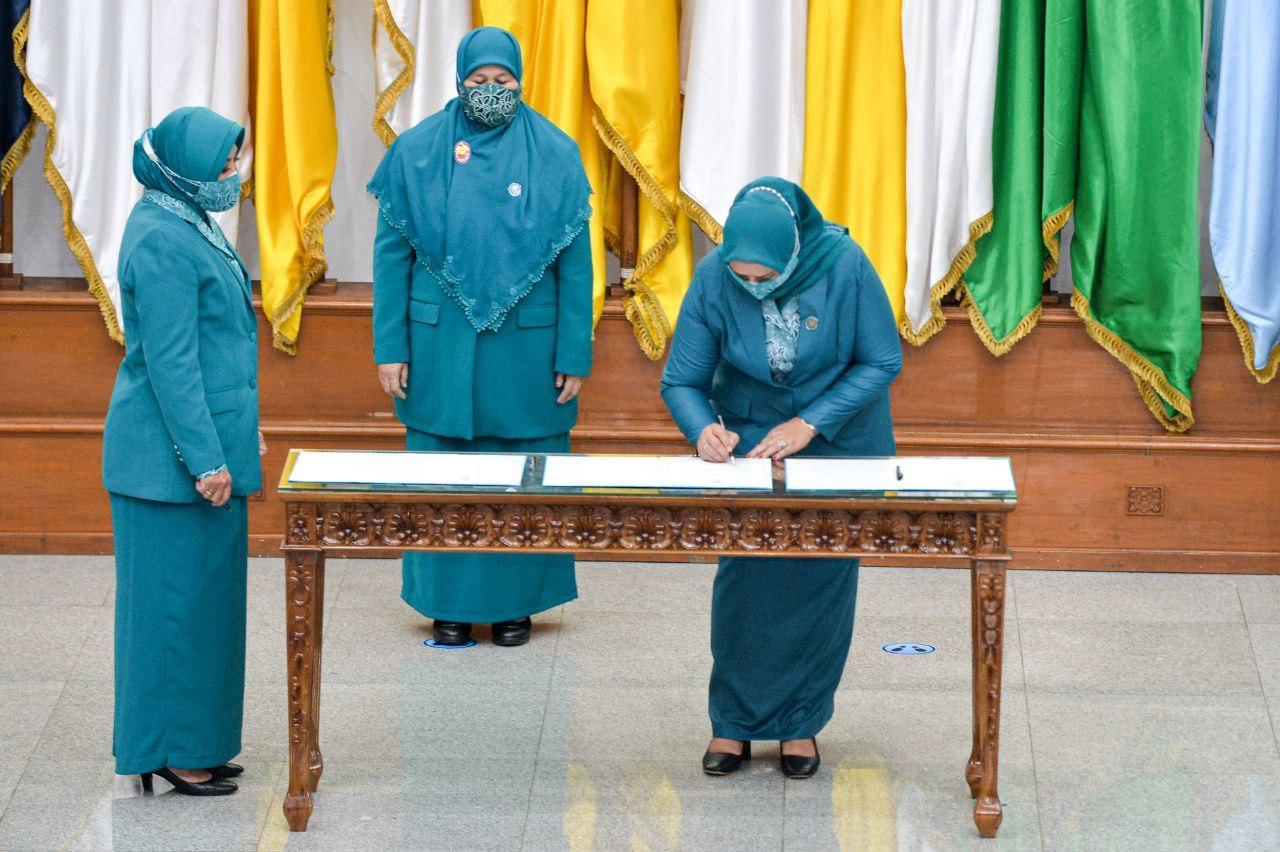 Foto ansar-marlin, Dewi Kumalasari, pelantikan gubernur kepri, Waka dprd dewi kumalasari