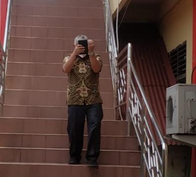 Foto Pejabat bintan diperiksa, Penyidik KPK, Penyidik KPK panggil Bupati Bintan