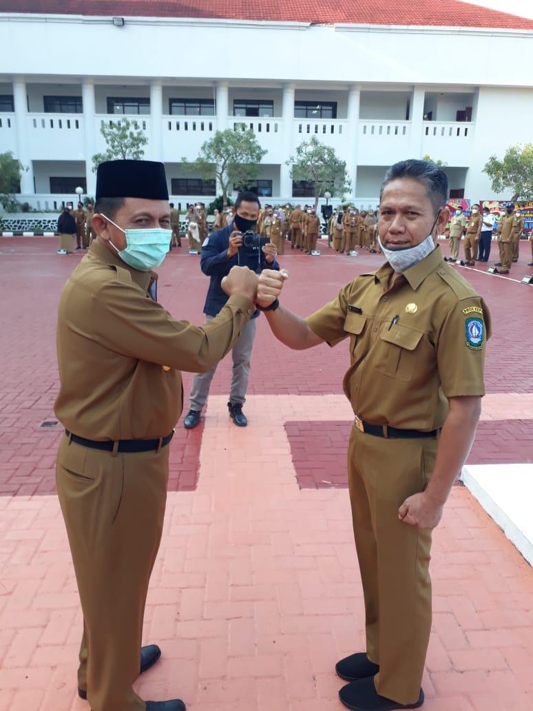 Foto ansar-marlin, gubernur kepri ansar ahmad, Hari pertama kerja