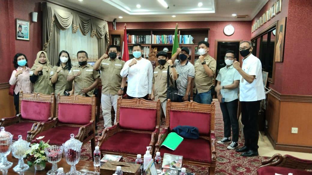 Foto Ketua DPRD Batam, Ketua DPRD Batam Nuryanto, smsi berbagi, Smsi kota batam