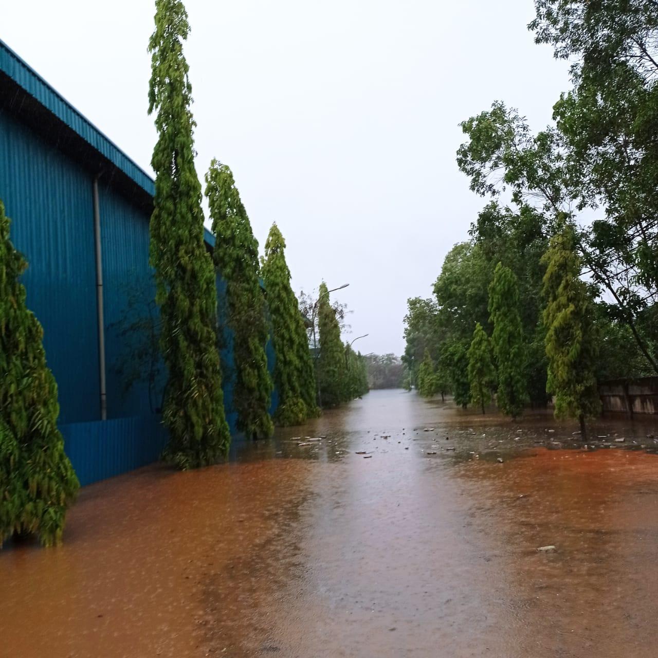 Foto Banjir di kabil, banjir di KPLI B3, Bp batam atasi banjir, KPLI-B3 Kabil