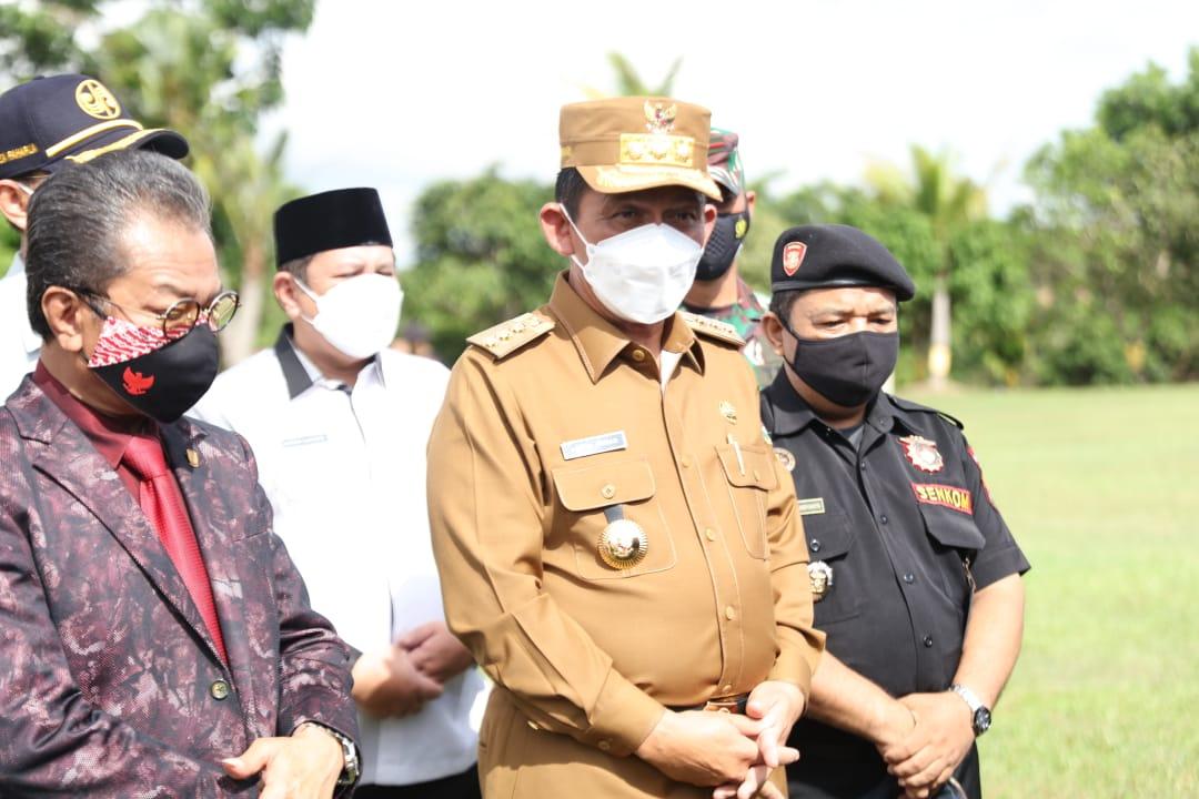 Foto gubernur ansar ahmad, gubernur kepri ansar ahmad, pemulangan pm, pmi ke daerah asal, sambut pemulangan pmi