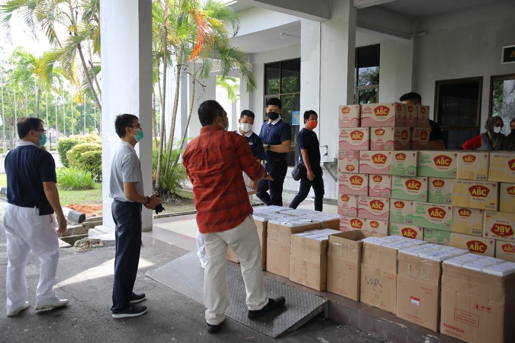 Foto Asrama Haji Batam, bantuan makanan, bantuan nagj pasien, buddha tzu chi, Pasien covid-19, yayasan buddha tzu chi