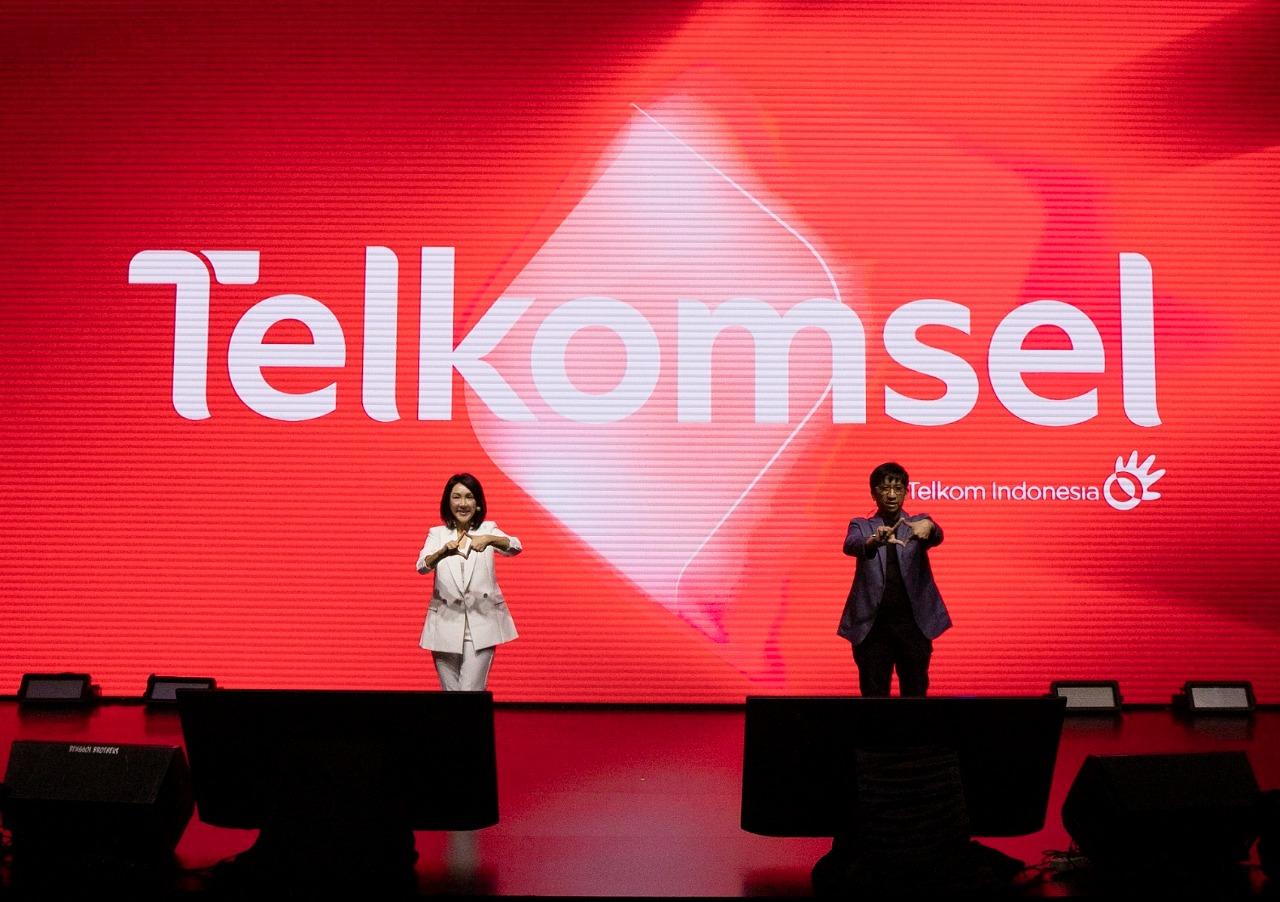 Foto buka semua peluang, logo baru telkomsel, simbol perubahan, Telkomsel, Telkomsel perkenalkan identitas baru