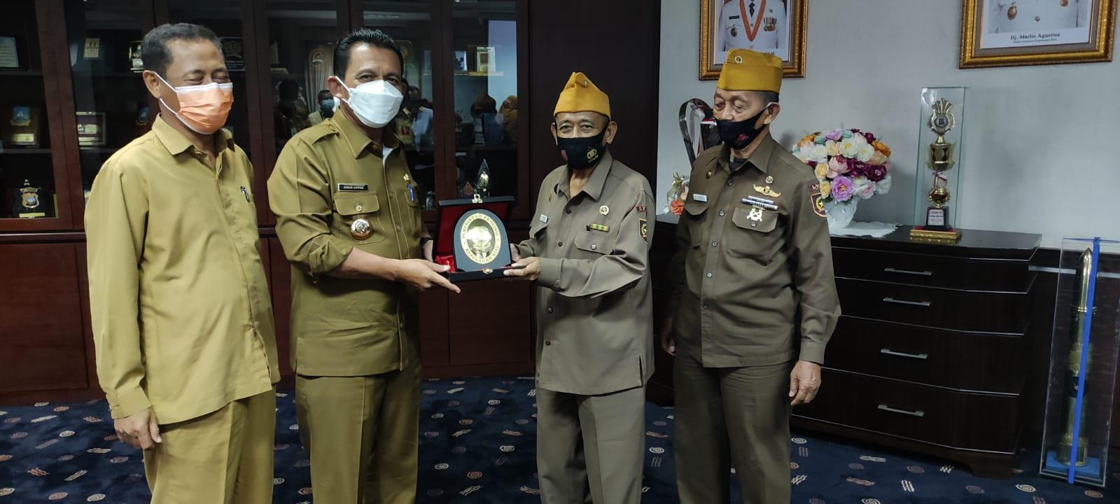 Foto Ansar Ahmad, gubernur ansar ahmad, kepri, Kepulauan Riau, legiun veteran, lvri