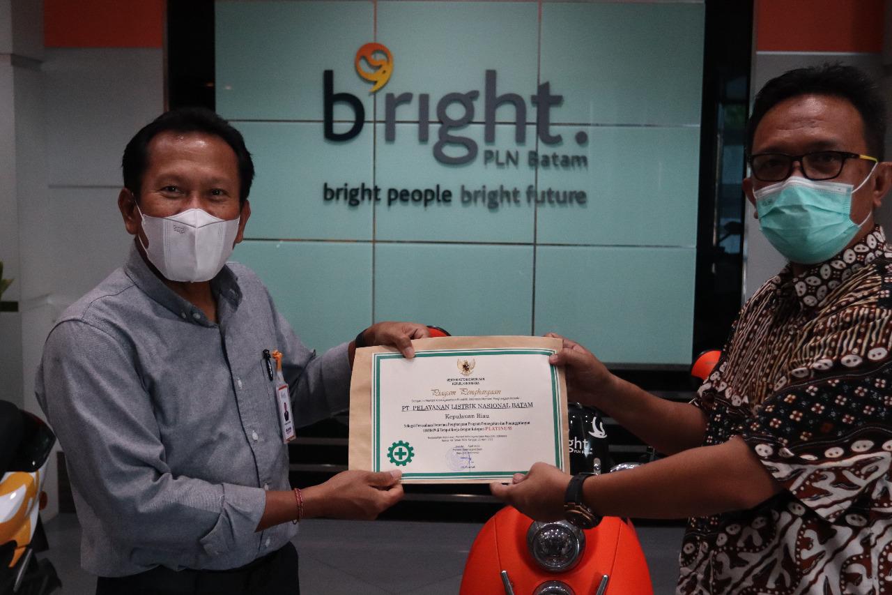 Foto Batam, Bright PLN Batam, kabar batam, Kota Batam, Pencegahan Covid-19, PLN Batam, pln batam raih penghargaan, Raih penghargaan
