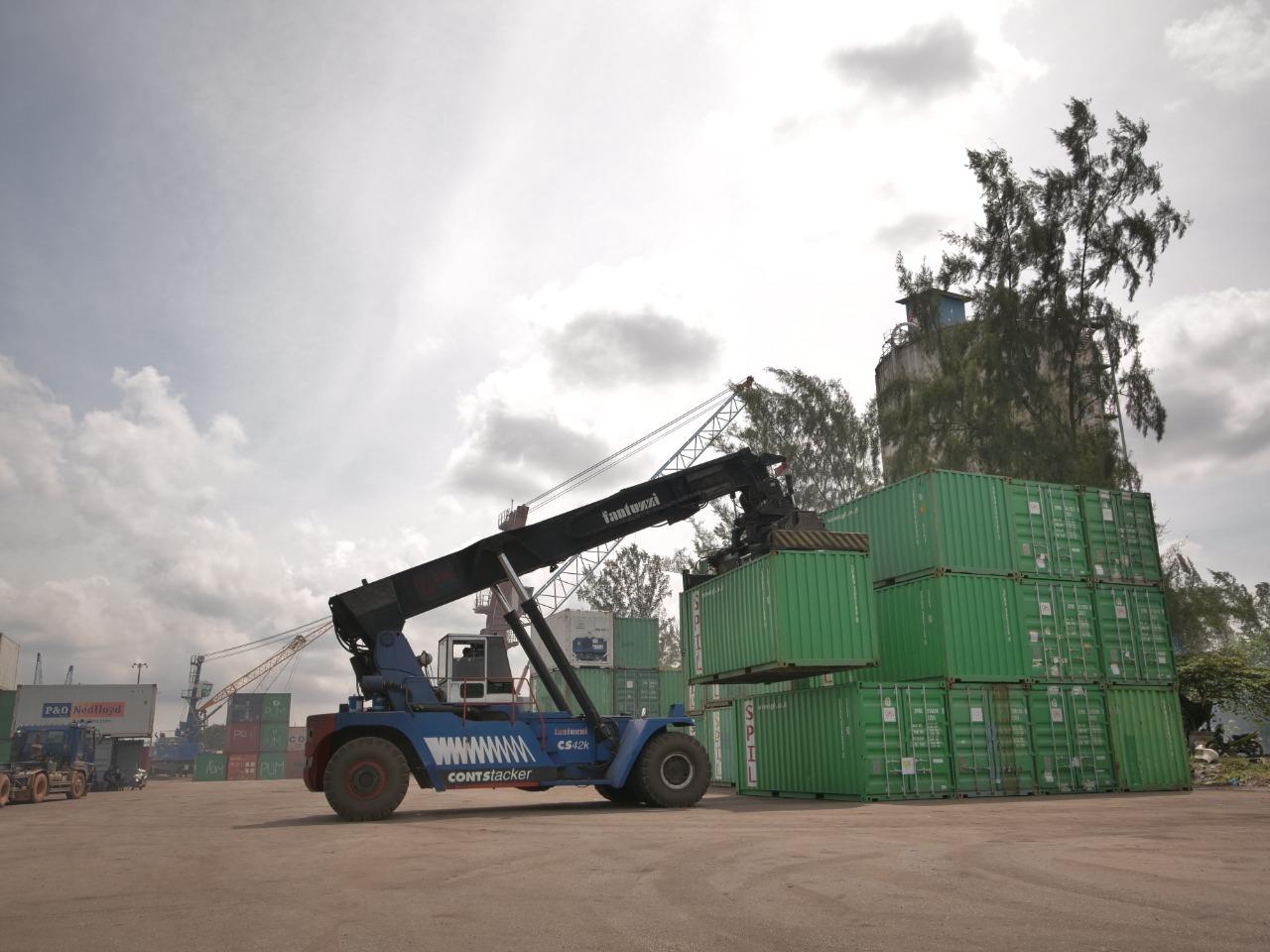 Foto Badan usaha pelabuhan, Batam, bongkar muat peti kemas, BP Batam, Pelabuhan peti kemas, Pelabuhan peti kemas Batam