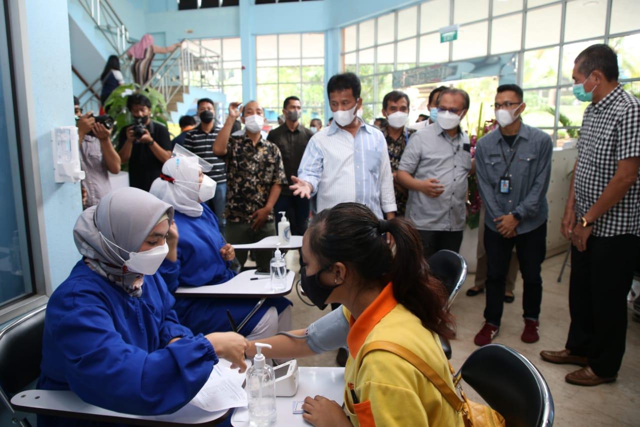 Foto BP Batam, Headline, Industri di Batam, investasi, pekerja divaksin, vaksinasi, Vaksinasi bagi pekerja, vaksinasi di batam