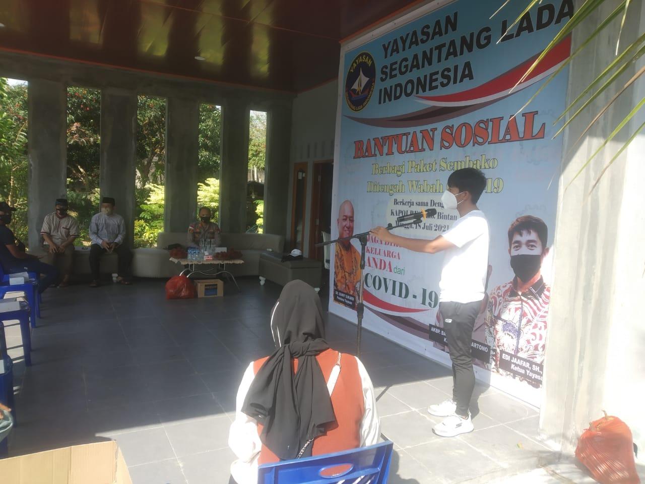 Foto isoman dan bantuan sembako, paket bantuan, Salurkan bantuan, segantang lada indonesia, Yayasan segantang lada indonesia