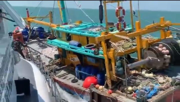 Foto Batam, Headline, Kapal asing, Kapal ikan asing, Kapal malaysia, perairan batam, PSDKP Batam, psdkp tangkap kapal