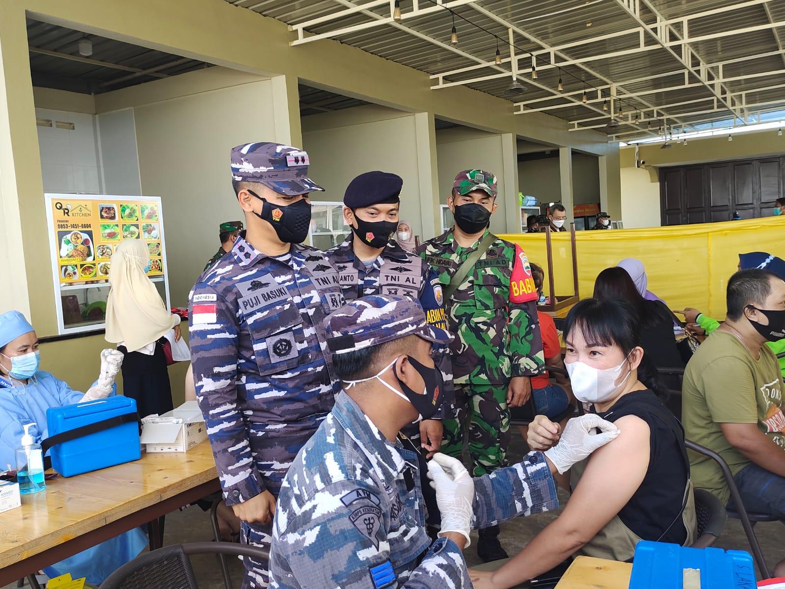Foto Kabar Karimun, Lanal Tbk, serbuan vaksinasi, vaksinasi massal